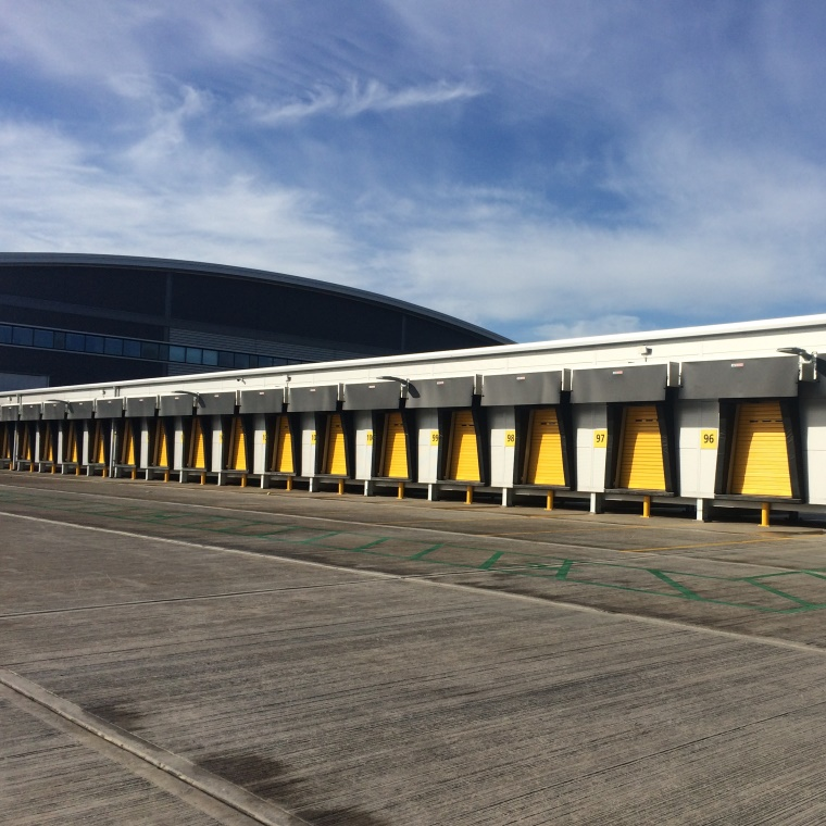 Entropie install 160 km of data cabling for DHL's new Express Hub